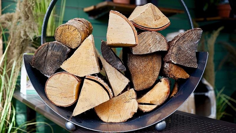 wood-store-logs