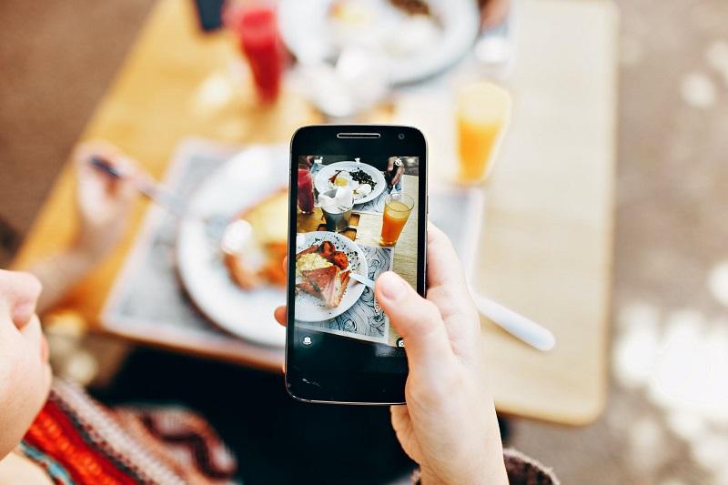 social-media-outdoor-dining